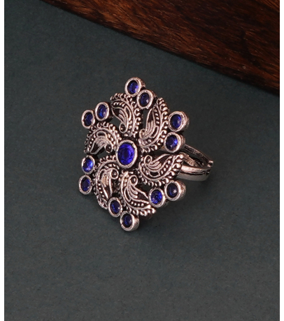 Blue Stone Studded Alluring Adjustable Ring