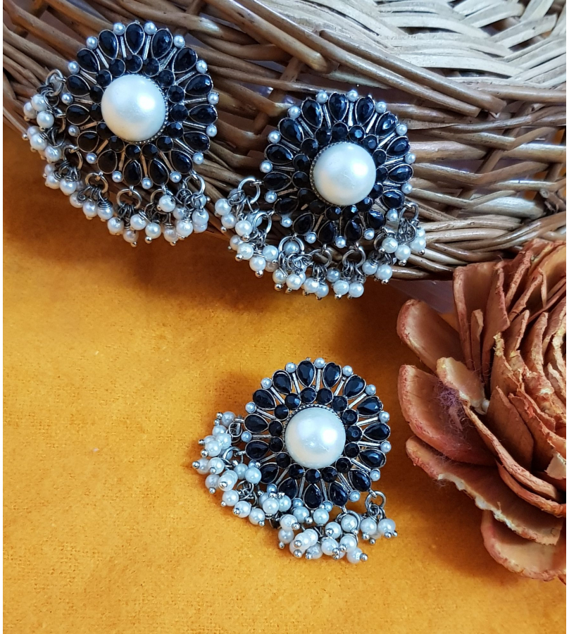 Luviḥ Black Stone Studded Pearl Drops Earrings N Ring Combo