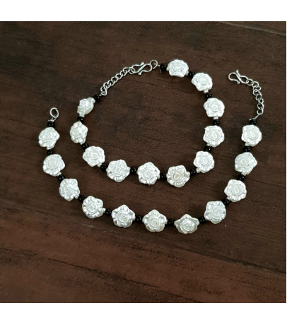 Rosy Oxidized White Rose Black Bead Anklets